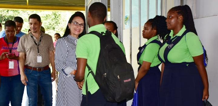 Jóvenes colonenses capacitan en la prevención de la violencia (2)