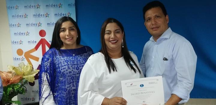 Rinden Homenaje a Trabajadoras Sociales del MIDES de Herrera (7)