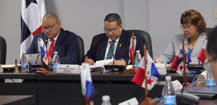 Comisión de Presupuesto aprueba traslado de partidas del MIDES (1)