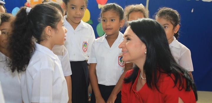 MIDES recibe visita de estudiantes de puestos distinguidos de la Escuela Pedro, 2019 (9)