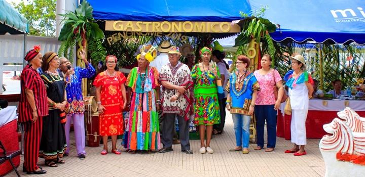 MIDES-Coclé realiza Festival Folclórico y (16)