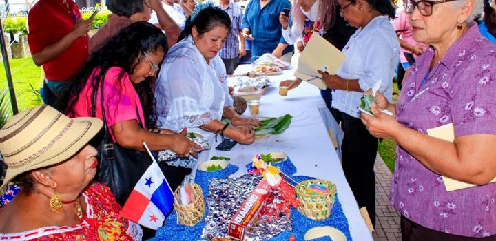 MIDES-Coclé realiza Festival Folclórico y (22)