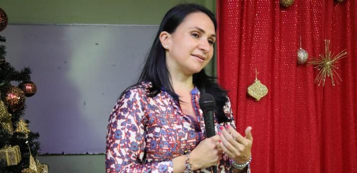 Ministra Markova comparte con las jóvenes del Hogar María Auxiliadora (2)