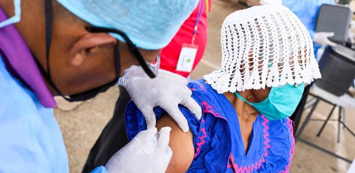 Beneficiarios de los Programas de Transferencias Monetarias fueron vacunados contra la influenza (8)