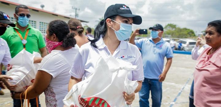 Mides entrega formulas infantiles en Azuero y Veraguas (1)