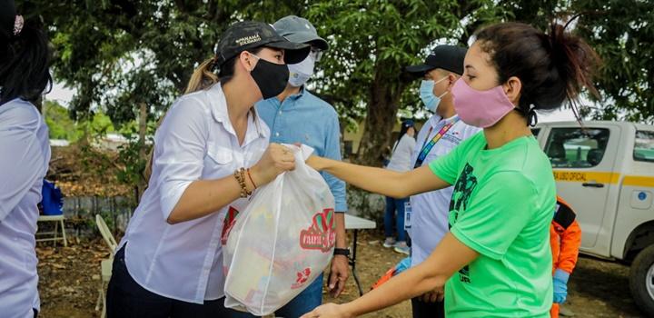 Mides entrega formulas infantiles en Azuero y Veraguas (10)