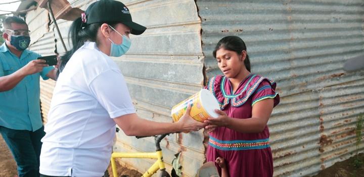 Mides entrega formulas infantiles en Azuero y Veraguas (2)
